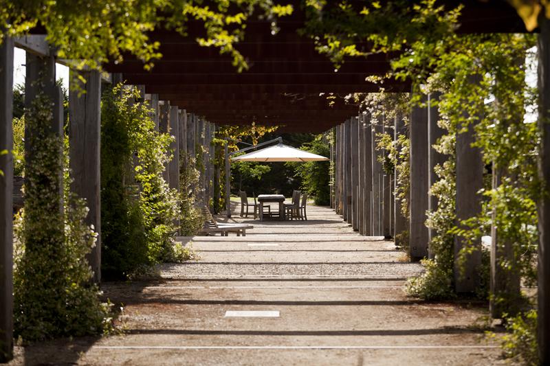 Karakter tuinkamers in moderne tuin met klassiek tintje   u2013 TUINENSTRUINEN ORG