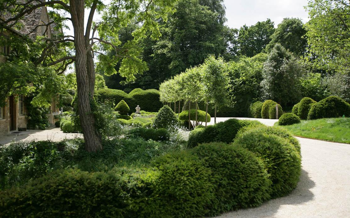 Arne maynard s ontwerp voor tuin in oxfordshire for Ontwerp voortuin met parkeerplaats