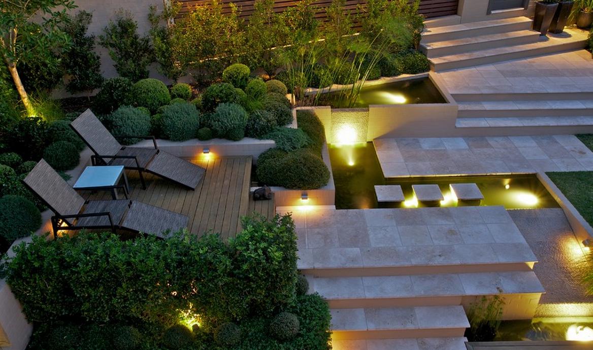 Grote Moderne Tuin : Moderne tuin op steile heuvelrug in sydney u tuinenstruinen