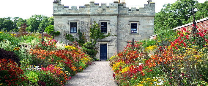 The Walled Garden (roxburghe.net)