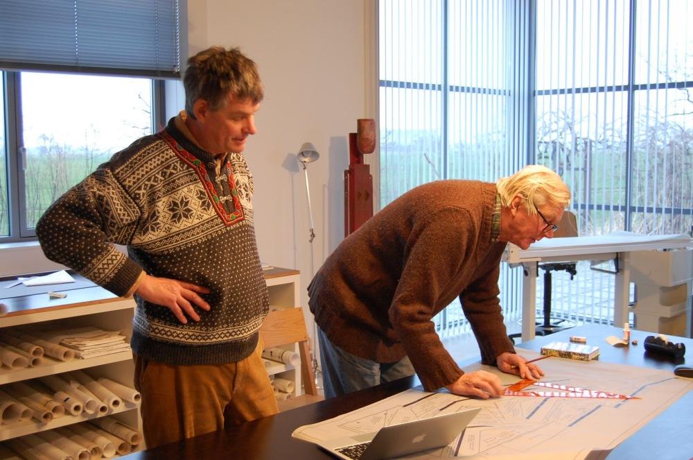 Piet Oudolf (rechts) is een van de grondleggers van Naturalistische tuinontwerpen, Noel Kingsbury is promotor en publicist over naturalistisch/ecologisch tuinieren.