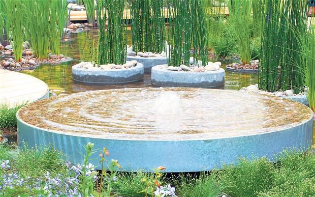 bron; telegraph.co.uk  regentuin  Blue Water Roof Garden - Nigel Dunnett
