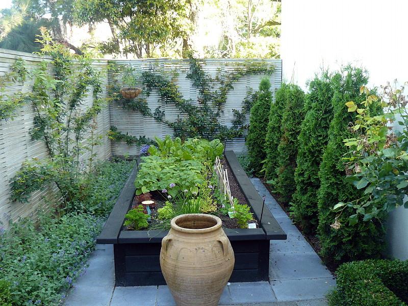 Formeel tuinontwerp van Hedge Garden Design in Wellington ...