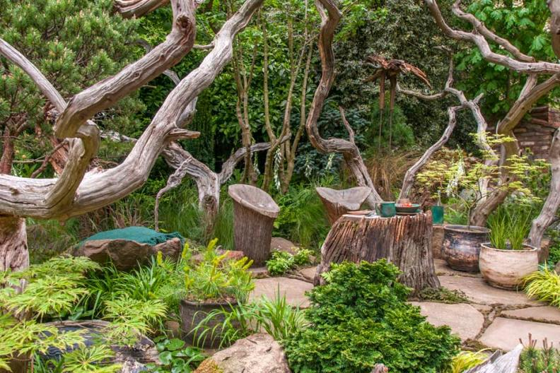 The-Sculptors-Picnic-Garden-04_940x627