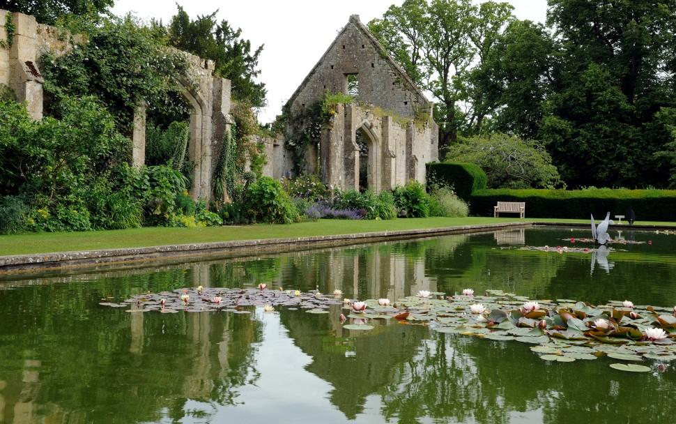 The Tithe Barn Garden