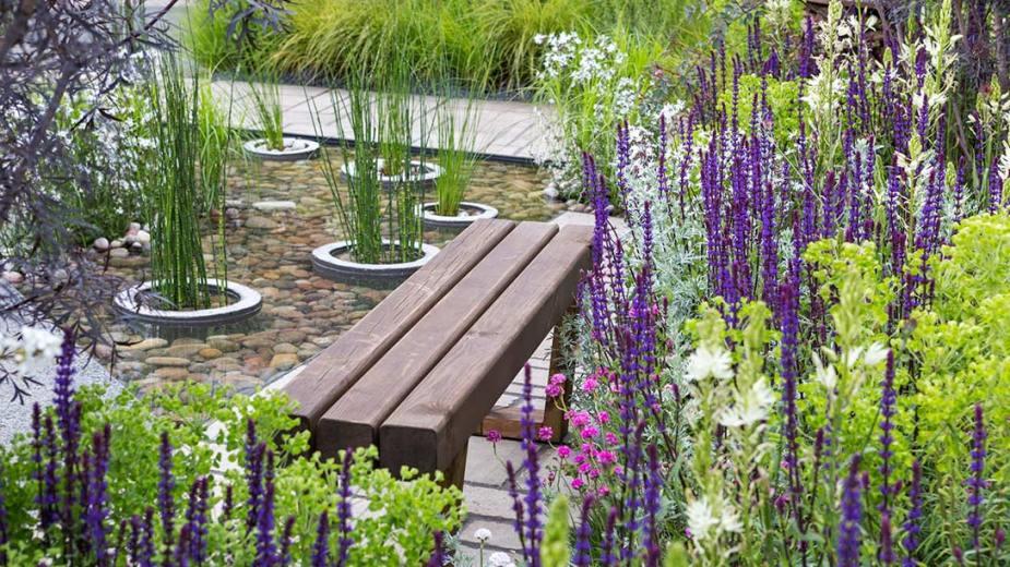 Greening-Grey-Britain_Garden-B21A7286