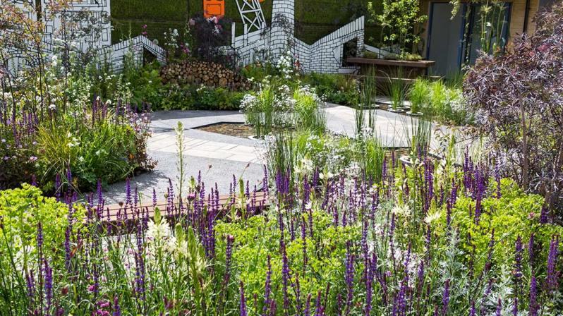Greening-Grey-Britain_Garden-B21A7301