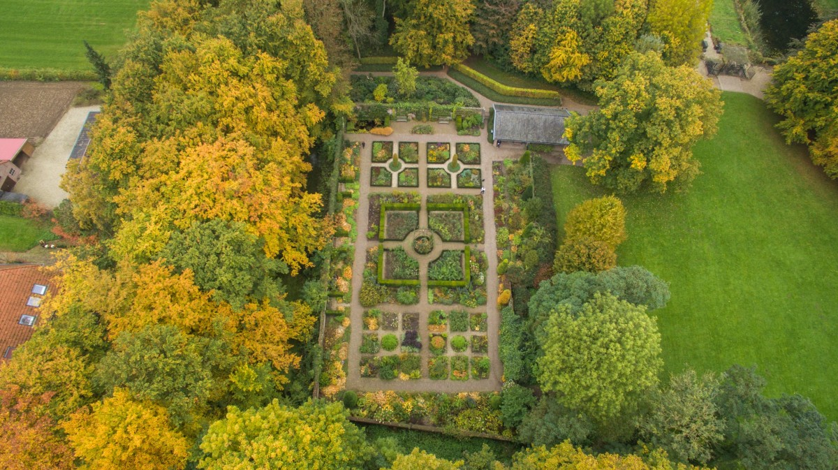 TUINBULLETIN: Erfenis Floriade,  Betuwse Tuinenroute, sKBL 5 jaar en Duurzame hoveniers