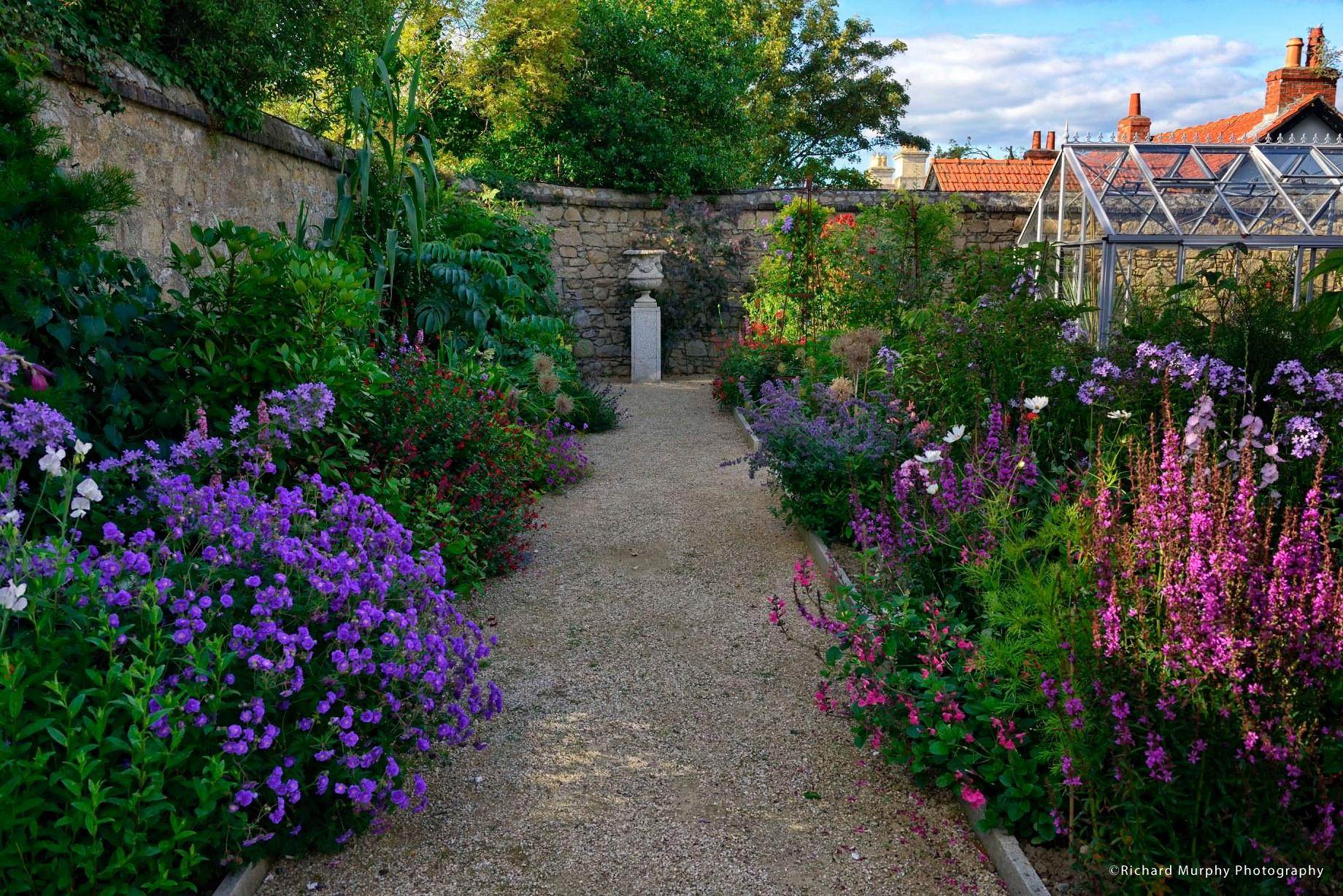 Helen Dillon na 44 jaar naar een kleinere maar perfecte tuin